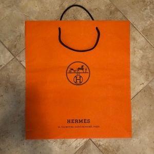 Hermès shopping bag